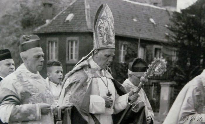 写真:フォン・ガーレン枢機卿